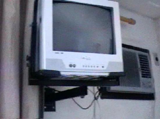 Nova Villa Tortuga: television con 3 canales y contro remoto, aire acondicionado  en buen funcionamiento un poco rui