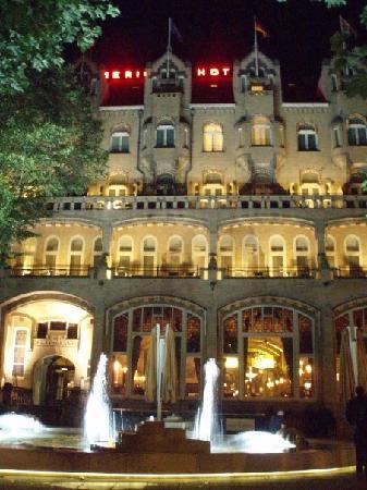 American Hotel Amsterdam: Amsterdam American Hotel at Night