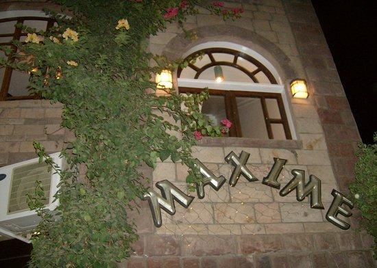 Maxime Restaurant: Façade Maxime
