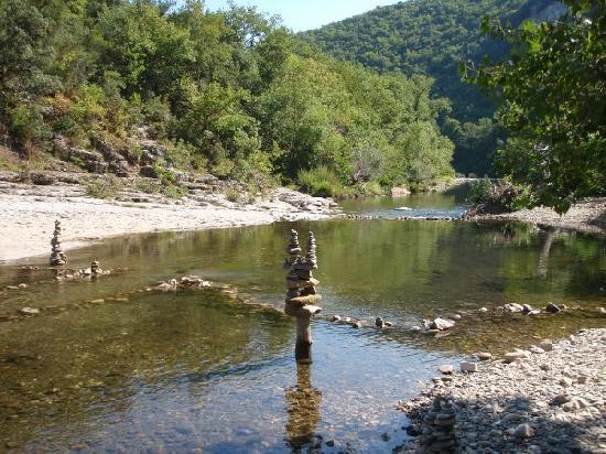 Domaine de la Sabliere: Céze river at Sabliere