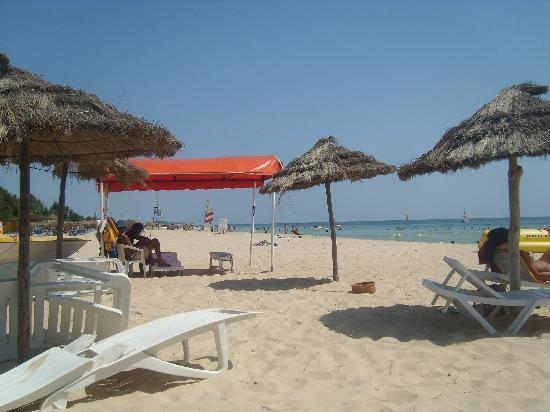 Le Zenith Hotel: Beach - la plage