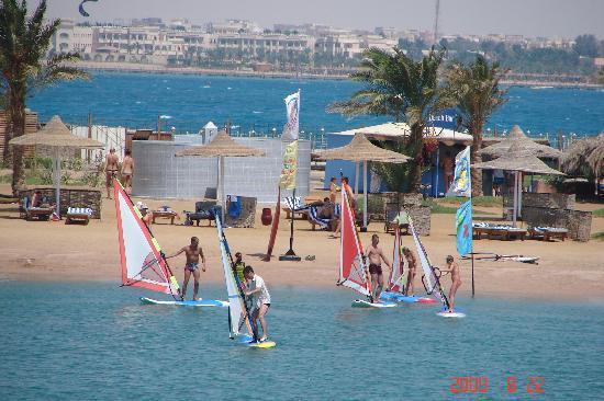 Desert Rose Resort: Lagoon activities