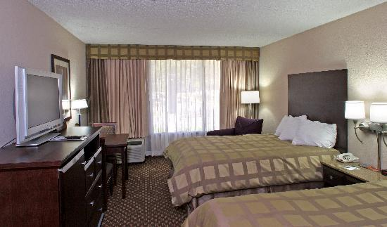 Quality Inn & Suites-Capital District : Double Room