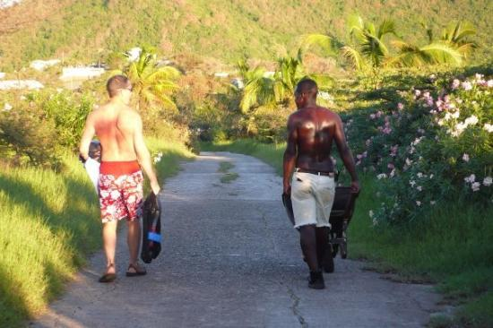 Philipsburg, St. Maarten-St. Martin: Danny shows us the shortcut back to Friar's Bay