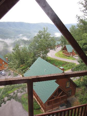 Sherwood Forest Resort: View at Smoky Mnt from our cabin