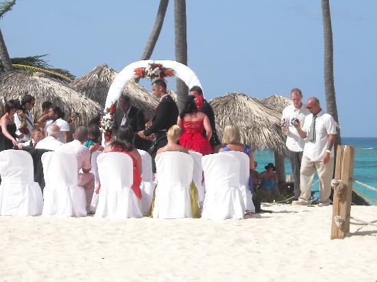 Ocean Blue Sand Wedding On The Beach