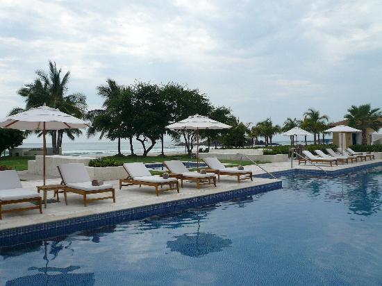 The St. Regis Punta Mita Resort: Adult Pool