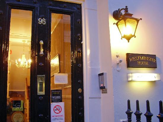 Westminster House Hotel : Looks pretty...from the outside...
