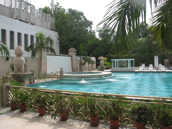 The Imperial Hotel: Imperial's famous pool