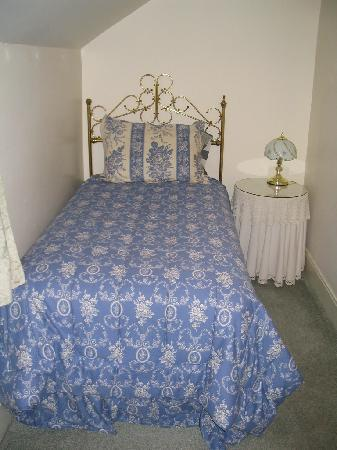 Aspen Inn Bed and Breakfast: The extra bed in the Wyant room