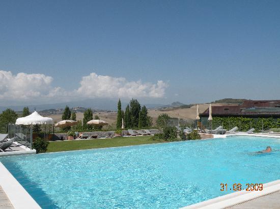 San Casciano dei Bagni, Italien: piscina di acqua dolce