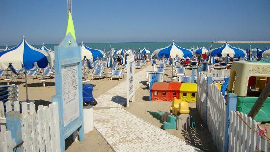 Porto San Giorgio, Italy: La spiaggia