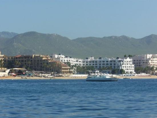 Hotel Riu Santa Fe: Our hotel from a sea.
