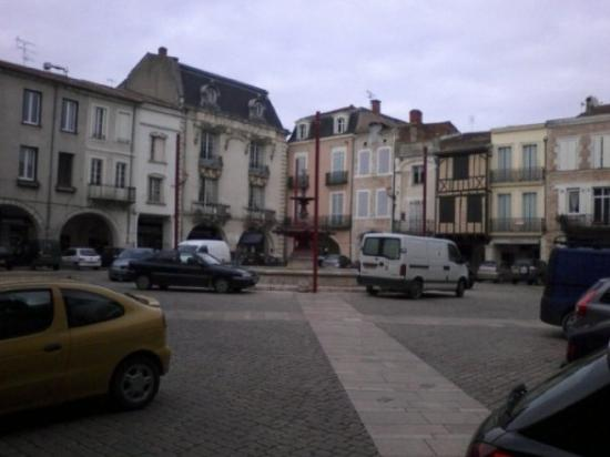 Place lafayette photo de villeneuve sur lot lot et for Chambre de commerce villeneuve sur lot