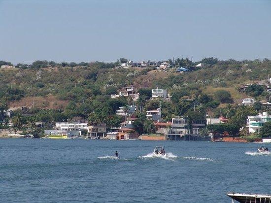 กูเอร์นาวากา, เม็กซิโก: lago