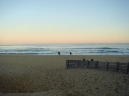 Lakes Entrance, ออสเตรเลีย: the main beach. the beach is located further down the lakes