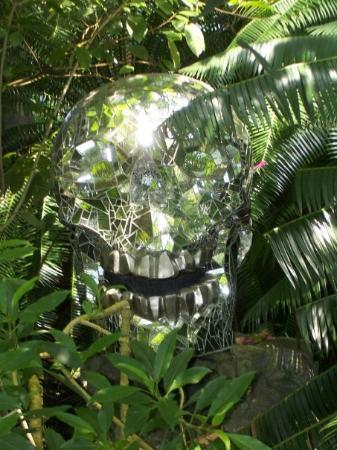 Crystal Skull - Picture of Missouri Botanical Garden, Saint Louis ...