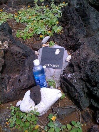 Makapu'u Beach: A memorial at Makapuu beach