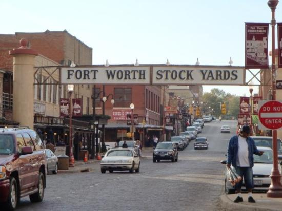 how to see the fort worth stockyards