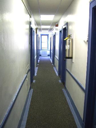 North Brooklyn / 12 Towns YMCA: Hallway to room