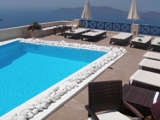 Afroessa Hotel: The wonderful pool!