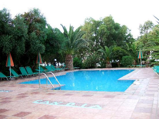 Villa Marise and Europa Studios: la piscine