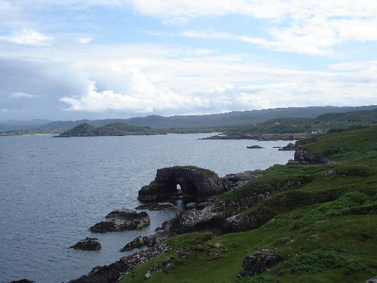 Tranquility Bed and Breakfast: Cove,view over Loch Ewe