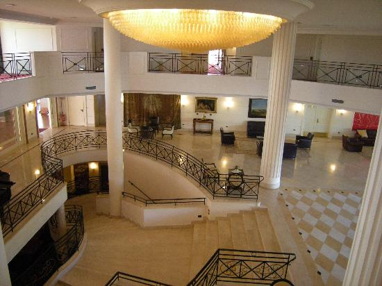 Savoy Beach Hotel: The hall