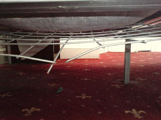 The Brighton Beach Hotel: The broken bed!!