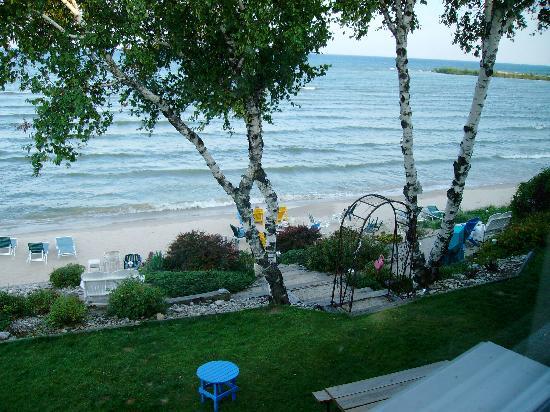 Beachfront Inn: Another view from room