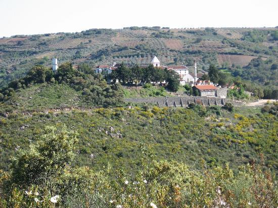 Chacim, Portugal: Vista a partir do monte vizinho