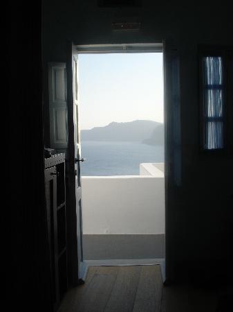 โรงแรมคาทีกีส์: view from our room