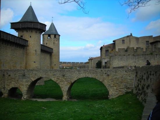 carcassone entry picture of chateau et remparts de la cite de carcassonne carcassonne center. Black Bedroom Furniture Sets. Home Design Ideas