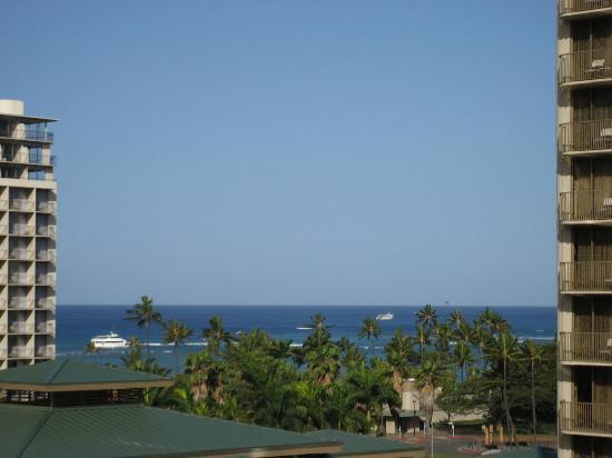 Wyndham at Waikiki Beach Walk: 廊下からのビュー