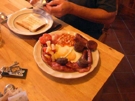 Dingle's First Cottage by the Sea: Irish Breakfast á la Julie