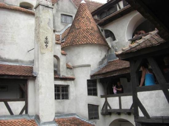 Château de Bran : El castillo que venden con el de Dracula por dentro