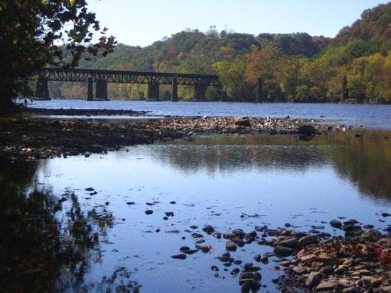 แรดฟอร์ด, เวอร์จิเนีย: Old rail bridge