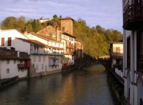 Donibane garazi picture of saint jean pied de port basque country tripadvisor - Hotel saint jean pied de port des pyrenees ...