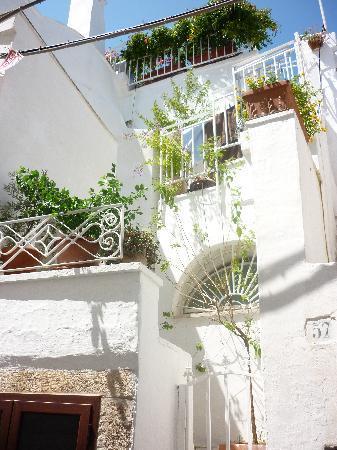Ostuni, Italie : Balconi fioriti