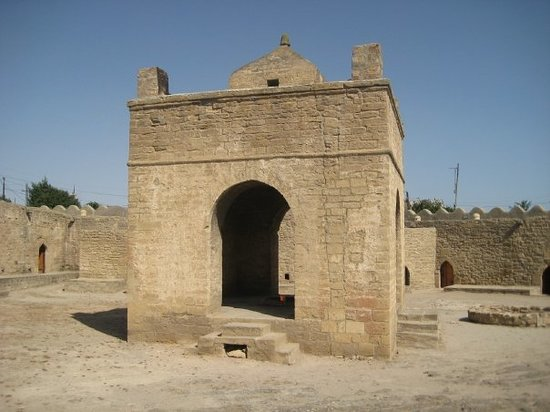 Baku, Aserbaidschan: but the temple was destroyed and rebuilt in 19th century