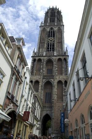 มหาวิหารและหอคอย: campanile del duomo di utrecht