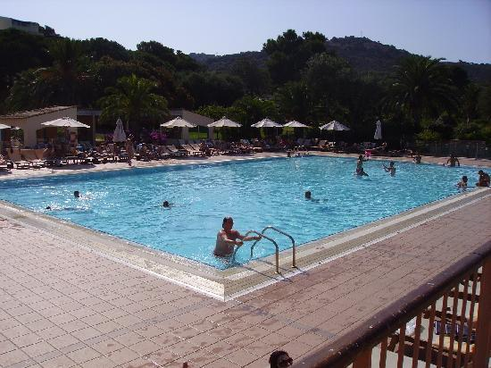 Piscine picture of club med cargese cargese tripadvisor for Piscine club med gym