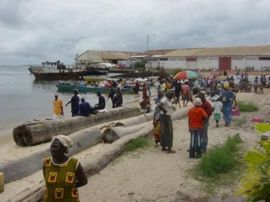 Ferry port gentil Sao Tomé ! P...