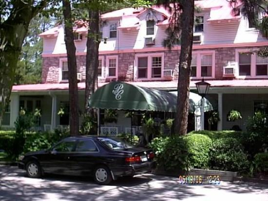 The Pine Crest Inn Picture