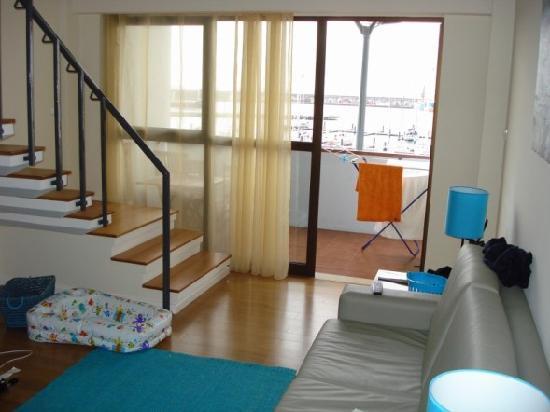 Duplex - Alojamentos Centro Comercial Solmar: living area
