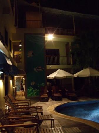 ヒルトップ ホテル Picture
