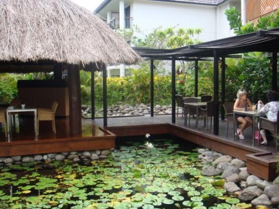 Sofitel Fiji Resort & Spa: Lillies everywhere!