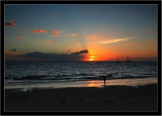 Sunset gran canaria picture of puerto de mogan mogan - Pension eva puerto de mogan ...
