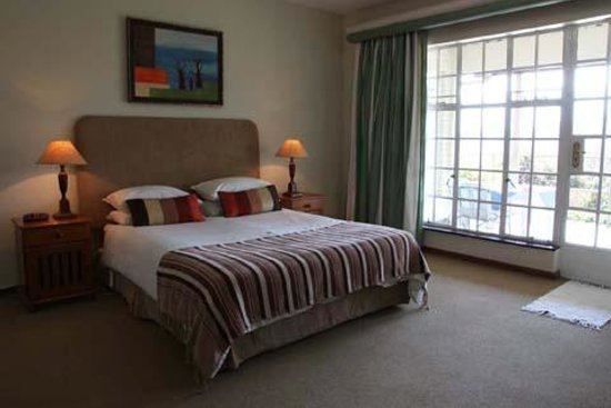 Hillwatering Country House : Comfortable bed, spacious room