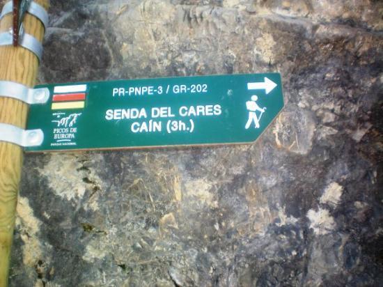 Arenas de Cabrales, Spain: inicio de la Ruta del Cares, de Poncebos a Caín, 12km